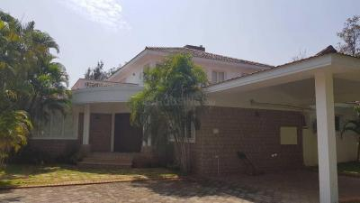 Gallery Cover Image of 5500 Sq.ft 4 BHK Independent House for rent in Uthandi for 200000
