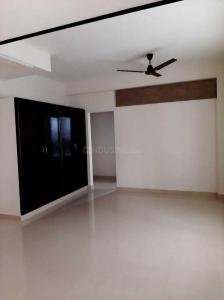 Gallery Cover Image of 1200 Sq.ft 3 BHK Apartment for rent in Valasaravakkam for 25000
