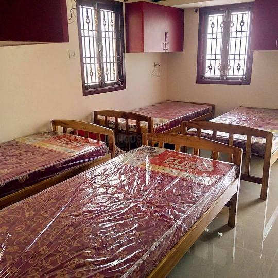 Bedroom Image of Siva PG in Neelankarai