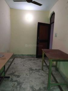 Gallery Cover Image of 620 Sq.ft 3 BHK Independent Floor for rent in Shakarpur Khas for 7000