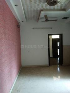 Gallery Cover Image of 1250 Sq.ft 3 BHK Apartment for rent in Niti Khand for 12000