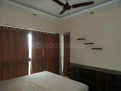 Gallery Cover Image of 1260 Sq.ft 3 BHK Apartment for rent in Kandivali East for 35000