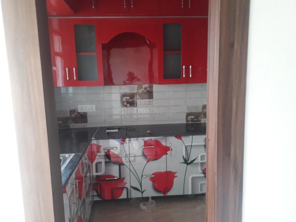Kitchen Image of 1050 Sq.ft 2 BHK Apartment for rent in Omicron I Greater Noida for 8000