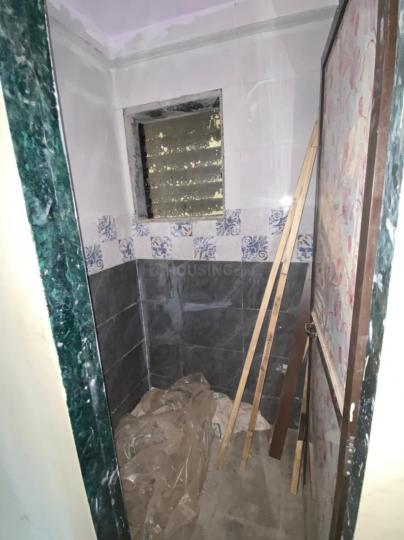 Bathroom Image of 800 Sq.ft 2 BHK Apartment for buy in Balaram Apartment, Airoli for 4000000