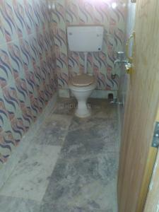 Common Bathroom Image of 800 Sq.ft 2 BHK Independent House for rent in Tollygunge for 7000