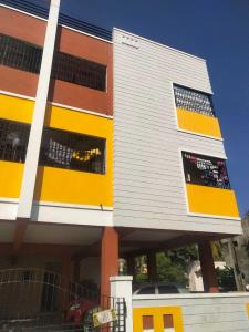 Gallery Cover Image of 1065 Sq.ft 2 BHK Apartment for buy in Urapakkam for 4400000