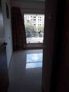Gallery Cover Image of 960 Sq.ft 2 BHK Apartment for rent in Malad West for 45000