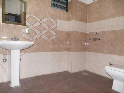 Bathroom Image of Shantiniketan PG in Sector 56