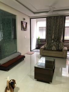 Gallery Cover Image of 2600 Sq.ft 3 BHK Apartment for rent in Leela Buildcon and Infrastructure Leela Palak, Thaltej for 60000