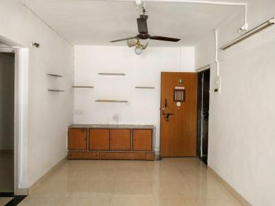 Gallery Cover Image of 750 Sq.ft 2 BHK Apartment for rent in Andheri West for 30000