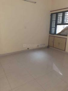 Gallery Cover Image of 1900 Sq.ft 3 BHK Apartment for rent in Sector 6 Dwarka for 30000