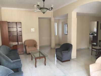 Gallery Cover Image of 800 Sq.ft 3 BHK Apartment for rent in Santacruz West for 140000