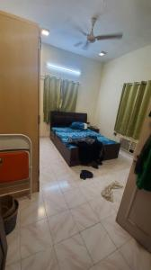 Gallery Cover Image of 900 Sq.ft 2 BHK Apartment for rent in Golf Link Apartment, Khar West for 60000