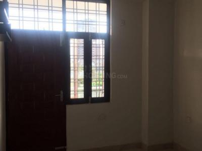Gallery Cover Image of 760 Sq.ft 2 BHK Independent Floor for buy in Shipra Suncity for 3500000