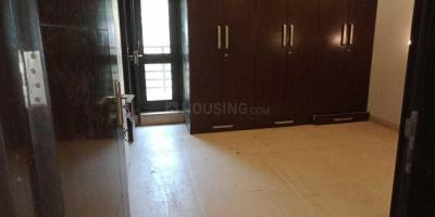Gallery Cover Image of 1600 Sq.ft 3 BHK Apartment for rent in sunder apartment, Paschim Vihar for 35000