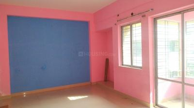 Gallery Cover Image of 1150 Sq.ft 3 BHK Apartment for rent in Birati for 8000