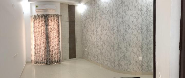 निराला ग्रीनशोर, नोएडा एक्सटेंशन  में 3610000  खरीदें  के लिए 3610000 Sq.ft 2 BHK अपार्टमेंट के हॉल  की तस्वीर
