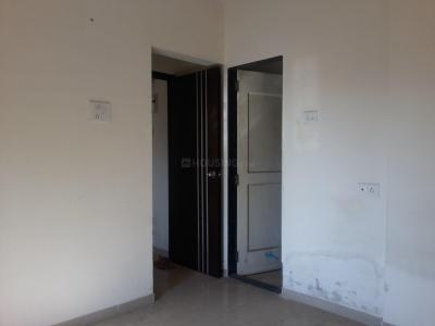 Gallery Cover Image of 602 Sq.ft 1 BHK Apartment for buy in Thane West for 7500000