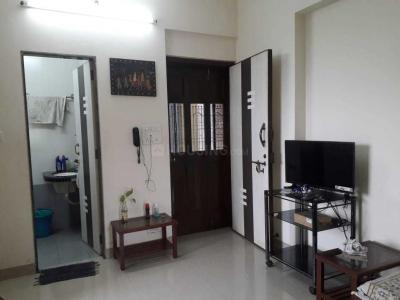 Gallery Cover Image of 600 Sq.ft 1 BHK Apartment for rent in Safal Shree Saraswati CHSL Plot 8B, Chembur for 35000