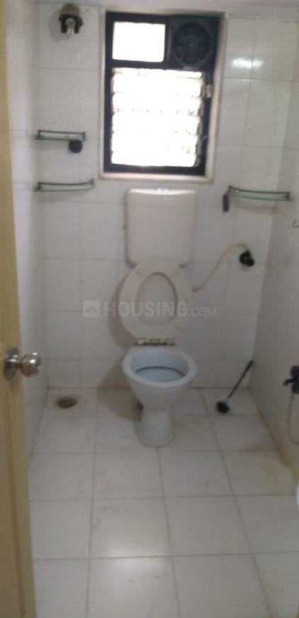 Common Bathroom Image of 815 Sq.ft 2 BHK Independent House for rent in Andheri West for 58000