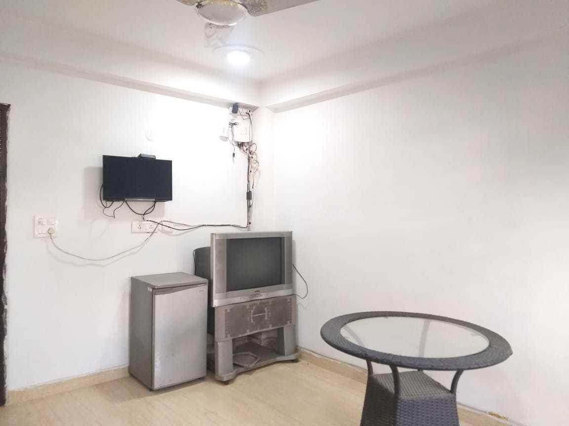 Bedroom Image of 350 Sq.ft 1 RK Independent Floor for rent in Vasant Kunj for 10000