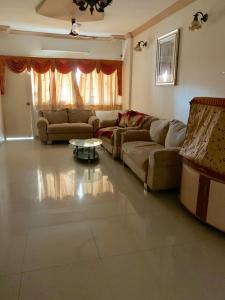 Gallery Cover Image of 1478 Sq.ft 3 BHK Apartment for rent in Vastrapur for 30000