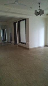 Gallery Cover Image of 2450 Sq.ft 4 BHK Apartment for rent in Mahagun Moderne, Sector 78 for 36000