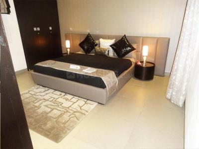 Gallery Cover Image of 790 Sq.ft 2 BHK Apartment for buy in Malad West for 14500000