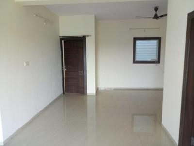 Gallery Cover Image of 1100 Sq.ft 3 BHK Apartment for buy in Paras Urbane Park, Kolar Road for 5500000