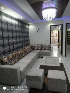 Gallery Cover Image of 850 Sq.ft 3 BHK Independent House for buy in Uttam Nagar for 3900000