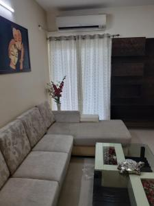 Gallery Cover Image of 1020 Sq.ft 2 BHK Apartment for buy in Noida Extension for 2450000