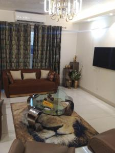 Gallery Cover Image of 1755 Sq.ft 3 BHK Apartment for buy in Saya Gold Avenue, Shipra Suncity for 12200000