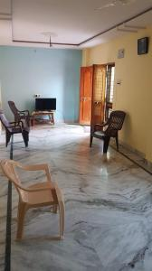Gallery Cover Image of 1350 Sq.ft 3 BHK Apartment for buy in Neredmet for 6300000