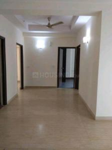 Gallery Cover Image of 1372 Sq.ft 3 BHK Apartment for rent in Mahagun Moderne, Sector 78 for 19000