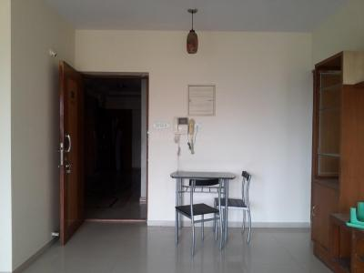 Gallery Cover Image of 865 Sq.ft 1.5 BHK Apartment for rent in Kandivali East for 23000
