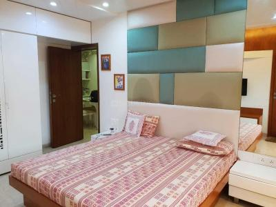 Gallery Cover Image of 1035 Sq.ft 2 BHK Apartment for rent in Andheri West for 55000