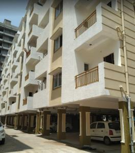 Gallery Cover Image of 1035 Sq.ft 2 BHK Apartment for buy in Srusti Symphony, Kondapur for 8091000