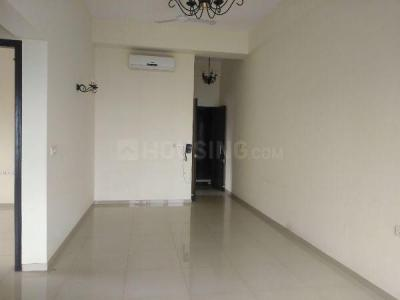Gallery Cover Image of 650 Sq.ft 2 BHK Apartment for rent in Shapoorji Pallonji Sarova, Kandivali East for 24000