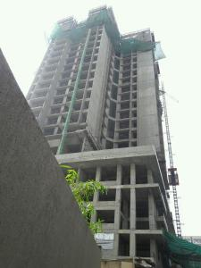 Gallery Cover Image of 999 Sq.ft 2 BHK Apartment for buy in Malad East for 18800000