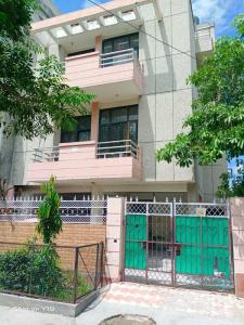 Gallery Cover Image of 4968 Sq.ft 8 BHK Independent House for buy in Sector 49 for 16000000