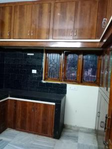 Gallery Cover Image of 900 Sq.ft 2 BHK Apartment for rent in Sanath Nagar for 11000