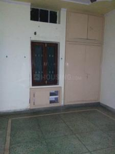 Gallery Cover Image of 1440 Sq.ft 3 BHK Apartment for rent in Mukherjee Nagar for 35000