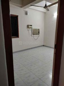 Gallery Cover Image of 850 Sq.ft 2 BHK Apartment for rent in Ananti Apartment, Alwarpet for 29750