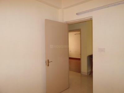 Gallery Cover Image of 1060 Sq.ft 2 BHK Apartment for rent in Thoraipakkam for 15000