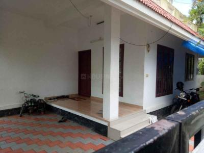 Gallery Cover Image of 1000 Sq.ft 2 BHK Independent House for buy in Thrippunithura for 5500000
