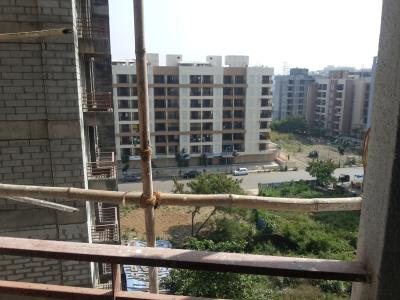 Gallery Cover Image of 900 Sq.ft 2 BHK Apartment for rent in Aims Sea View, Mira Road East for 18000