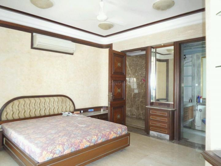 Bedroom Image of 3000 Sq.ft 5 BHK Independent House for rent in Santacruz East for 250000