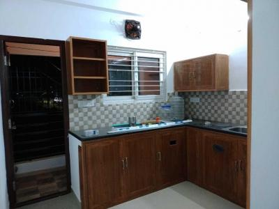 Gallery Cover Image of 1200 Sq.ft 2 BHK Apartment for rent in Thoraipakkam for 16000