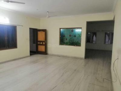 Gallery Cover Image of 2000 Sq.ft 3 BHK Apartment for rent in Sri Nagar Colony for 36000