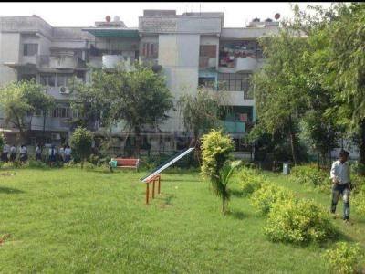 Gallery Cover Image of 1000 Sq.ft 2 BHK Apartment for rent in Sector 18 Rohini for 22000